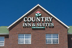 Country Inn and Suites Exterior Sign and Logo royalty free stock photos