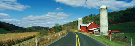 Country road with red barn, Route 858, PA Stock Photography