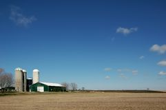 Free Country-side With Farm And Sky Royalty Free Stock Images - 1968779