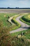 countryroad风景曲折的绕 图库摄影