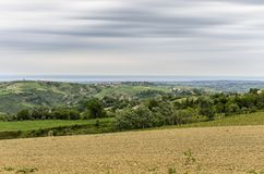 The countryside in a cloudy day Royalty Free Stock Photos
