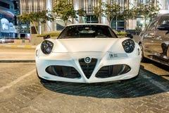 Coupé Alfa Romeos 4C in Abu Dhabi Stockfotografie