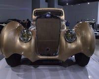 Coupé 1937 de Delage D8-120 d'or Aerosport Photographie stock libre de droits