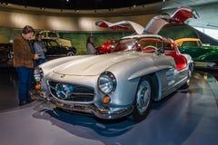Coupé di Mercedes-Benz 300 SL Gullwing dell'automobile sportiva, 1955 Fotografie Stock Libere da Diritti