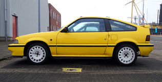 Coupé jaune CRX 1 de Honda Civic 6I 16V Photographie stock libre de droits