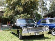Coupé noir de dard de Dodge exhibé dans Mamacona, Lima Photographie stock