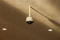 Coup d'appareil-photo de télévision en circuit fermé sur le plafond Image stock