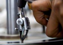 Coupe de diamant dans l'usine Photographie stock libre de droits