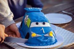Coupe de gâteau de voiture Image stock