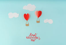 Coupe de papier des ballons à air chauds de coeur pour le celebrat de Saint-Valentin Images libres de droits