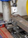 Coupe de trou en métal photographie stock libre de droits