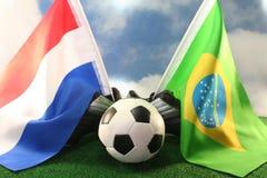 Coupe du monde 2010, les Hollandes et le Brésil Images stock