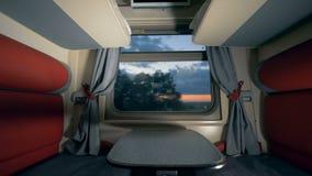 Coupe kabina poruszający pociąg w wieczór Prędkości taborowy wnętrze zbiory