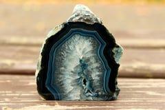 Coupe minérale bleu-foncé de pierre Photographie stock libre de droits