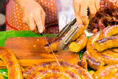 Coupe Sai Aua (saucisse épicée thaïlandaise de Notrhern) photos libres de droits