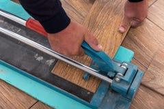 Couper les carreaux de céramique photo stock