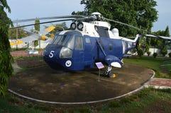 Couperet d'avion d'avions de musée d'hélicoptère de guerre Photographie stock libre de droits
