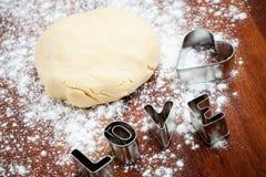 Coupeur de biscuit d'amour Photographie stock libre de droits