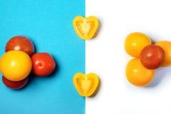 Coupez et groupe de tomate en forme de coeur images stock