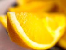 Coupez frais les oranges Image libre de droits