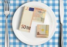 Coupez l'argent du plat, concept de part de finances Photos stock