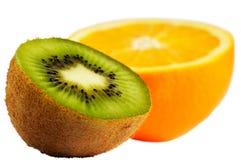 coupez l'orange de kiwi Photo libre de droits