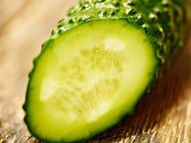 Coupez le macro de concombre Photos stock