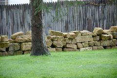 Coupez le mur en pierre Image stock