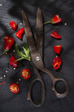 Coupez le poivron rouge image stock