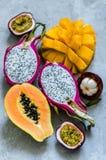 Coupez les fruits exotiques Photo libre de droits