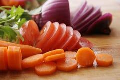 Coupez les légumes. Photos libres de droits