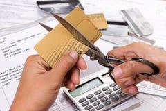 Coupez mes cartes de crédit Photos libres de droits