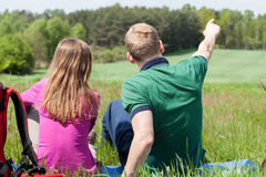 Couple admiring the view Royalty Free Stock Photos
