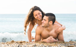 Couple on background of ocean Royalty Free Stock Photos