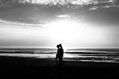 Couple in the beach Royalty Free Stock Images