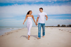 Couple at beach Royalty Free Stock Images