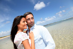 Couple at the beach Royalty Free Stock Photos