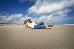Couple on beach vacation Royalty Free Stock Photos