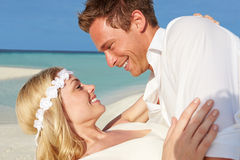 Couple At Beautiful Beach Wedding Royalty Free Stock Photography