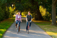 Couple with Bikes Royalty Free Stock Photos