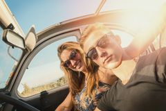 Couple in a car Royalty Free Stock Photography