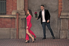 Couple in the city. Love finding itself in the city. The new couple meet and its love at first site Royalty Free Stock Image
