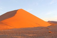 Couple dune 45 panorama Sossusvlei sunset, Namibia Royalty Free Stock Photos