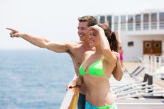 Couple cruise pointing Royalty Free Stock Photography