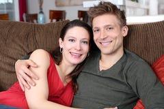 Couple cuddling Royalty Free Stock Photos