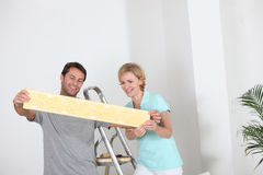 Couple decorating Royalty Free Stock Photography
