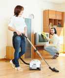 Couple doing housework Royalty Free Stock Photography