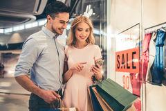 Couple doing shopping Stock Photography