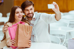 Couple doing shopping Royalty Free Stock Photography