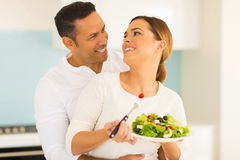 Couple eating salad Royalty Free Stock Photography